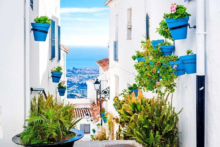 Dazzling white and authentically Spanish: Mijas and Benalmadena Pueblo