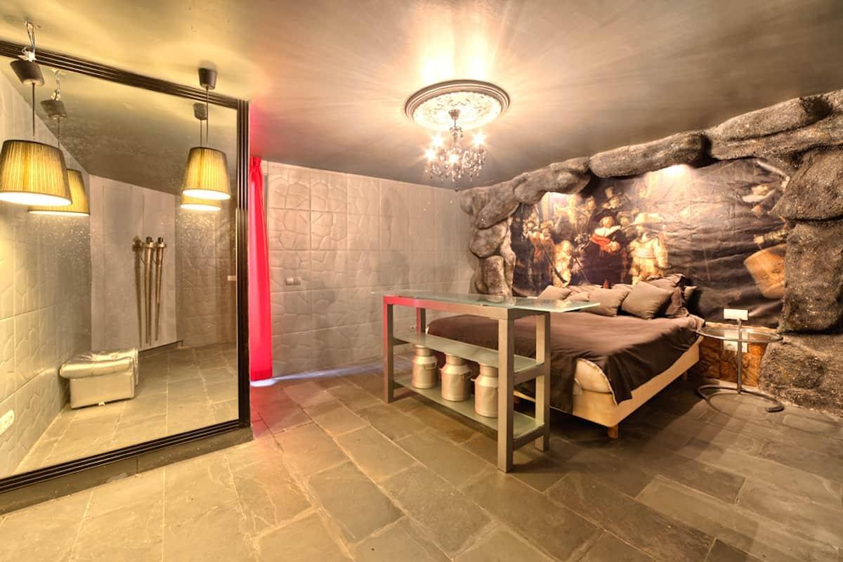 27_guest_bedroom