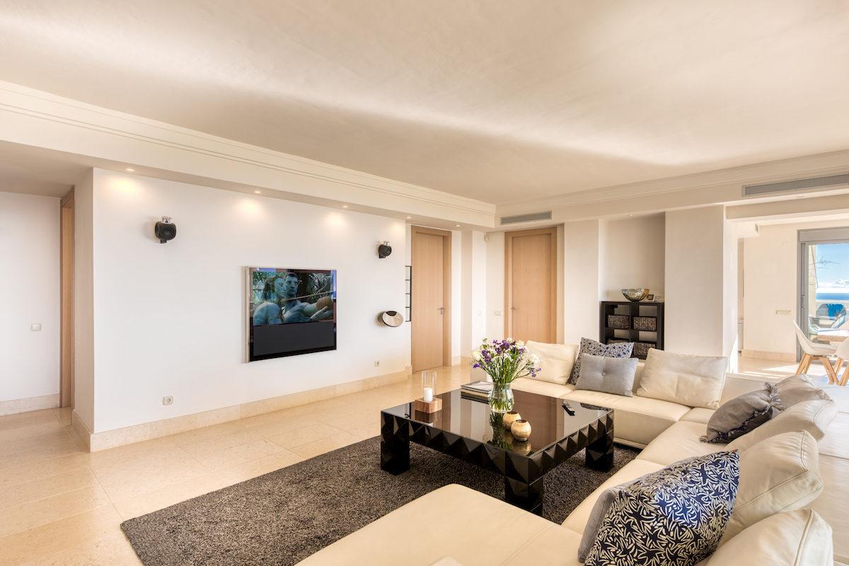 Monteros Hill Club Penthouse-16 copy